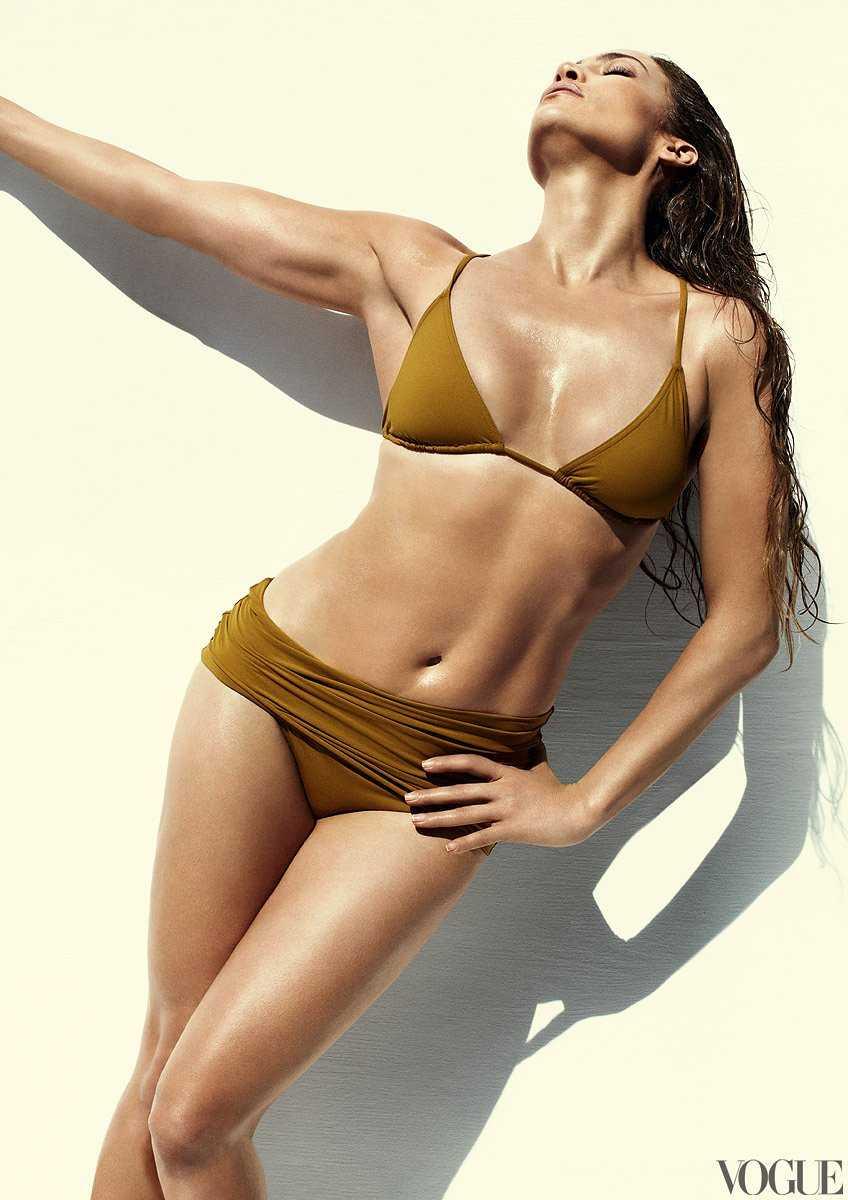 Jennifer Lopez sexy bikini