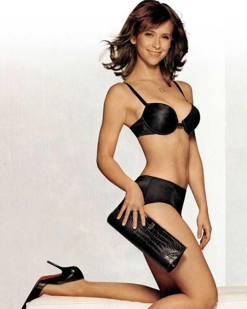 Jennifer Love Hewitt hot pictures