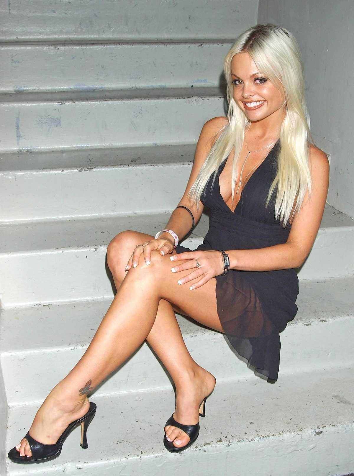 Jesse Jane sexy feet pic