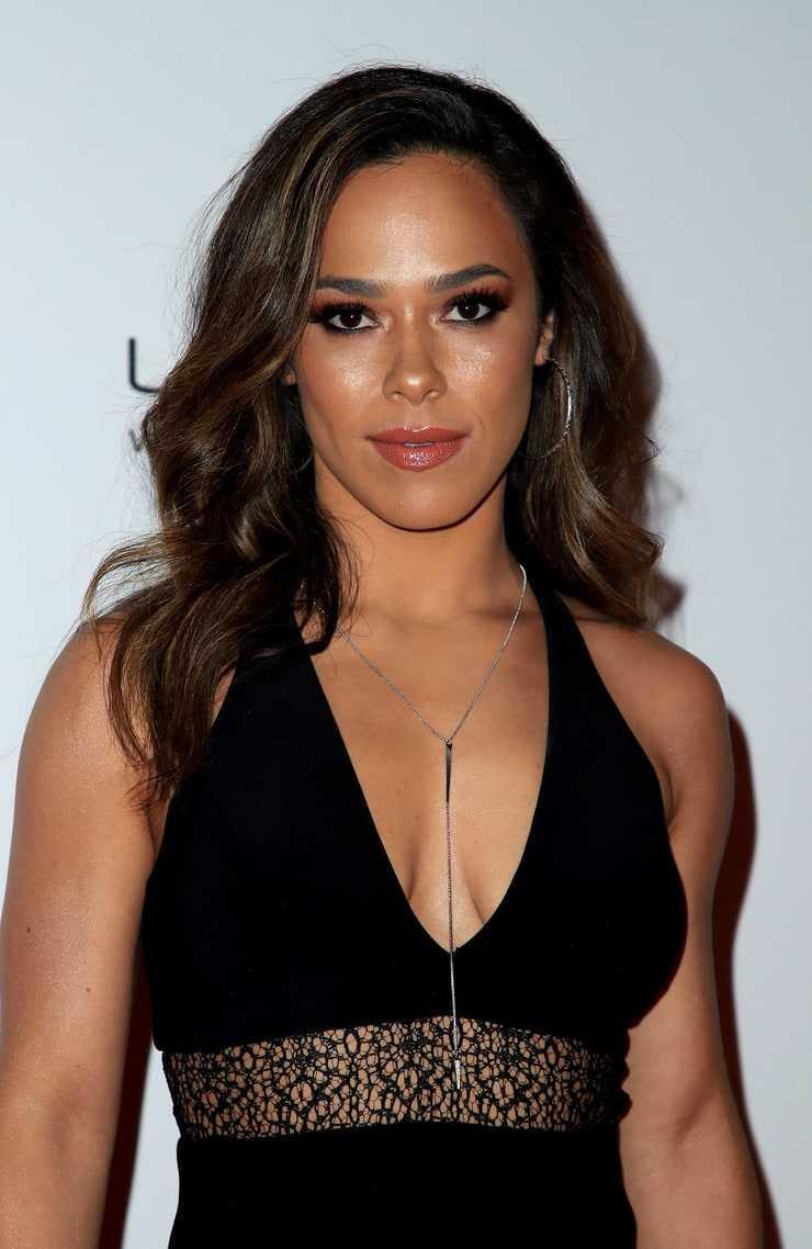 Jessica Camacho cleavage