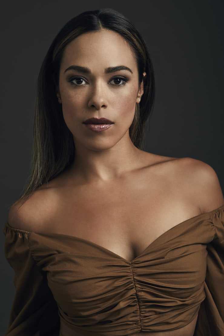 Jessica Camacho hot cleavage