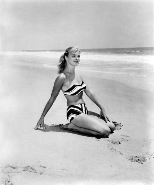 Joanne Woodward bikini pic