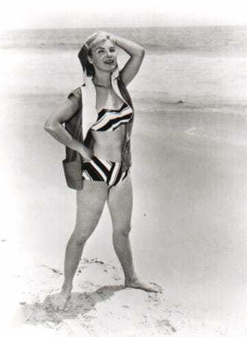 Joanne Woodward hot look pic