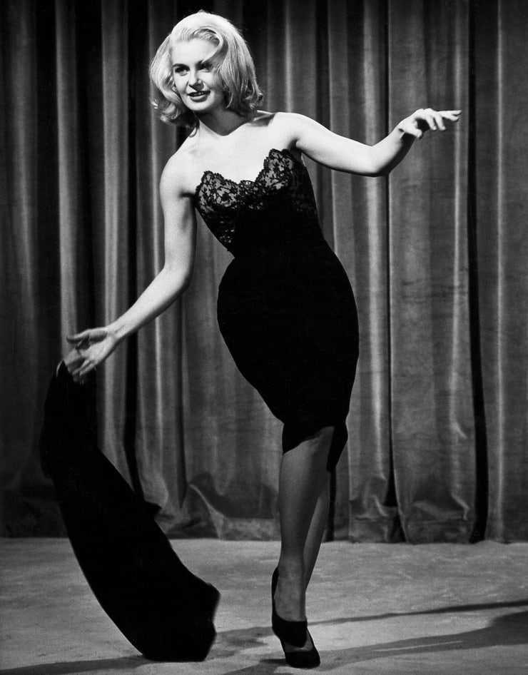 Joanne Woodward hot