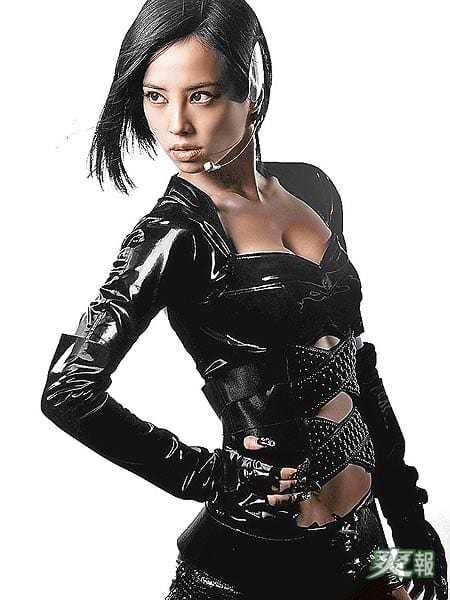 Jolin Tsai cleavage