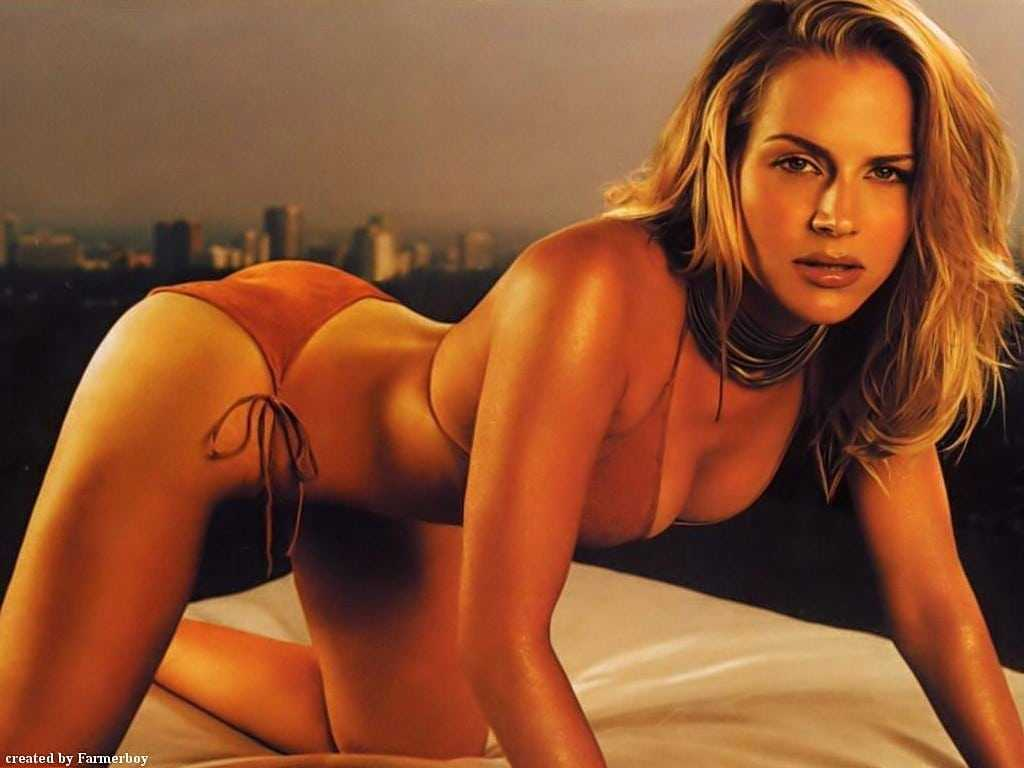 Benz naked julie Julie Benz