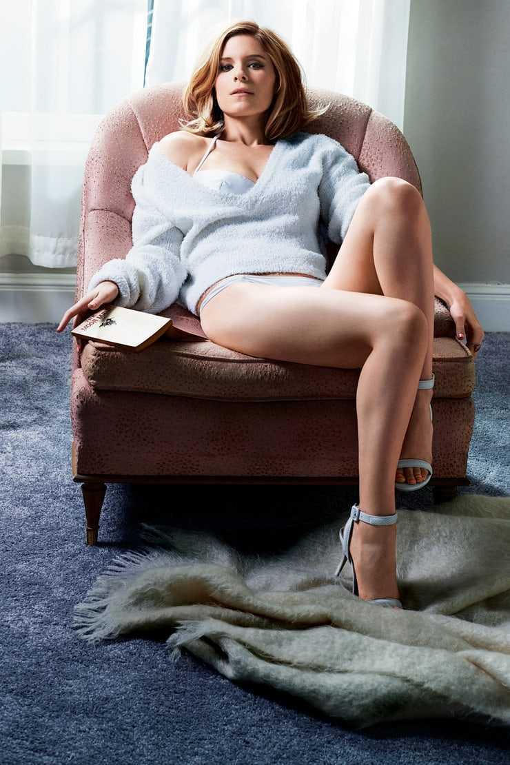 Kate Mara sexy feet