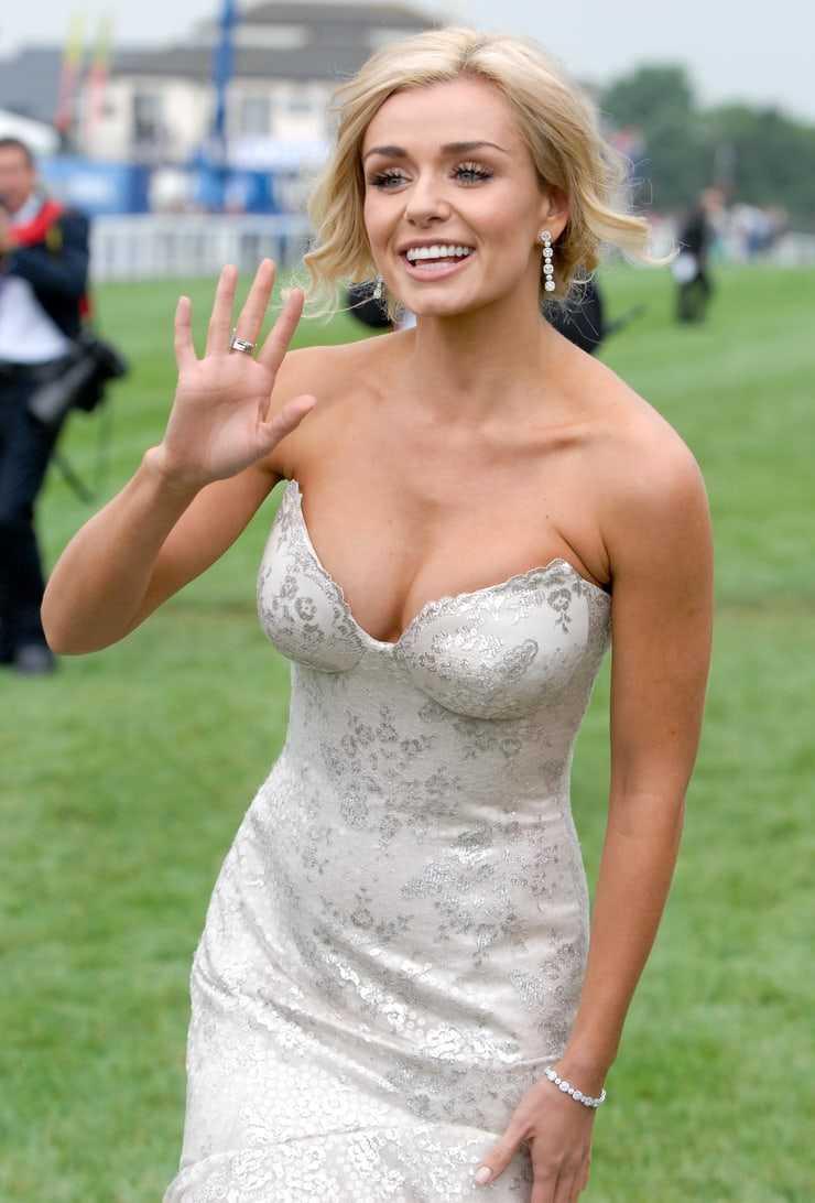 Katherine Jenkins sexy cleavage