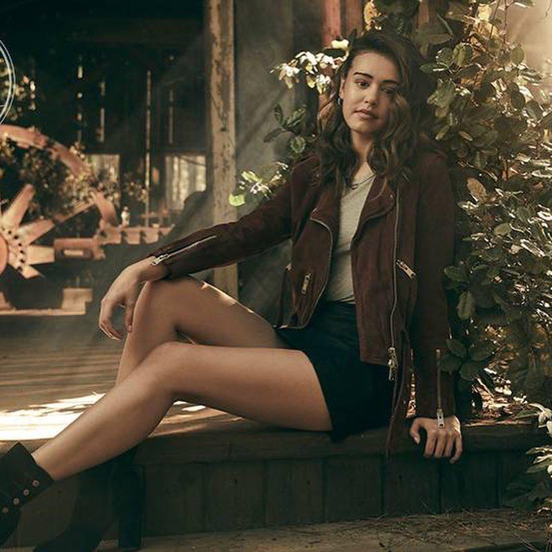 Kaylee-Bryant-hot-thighs
