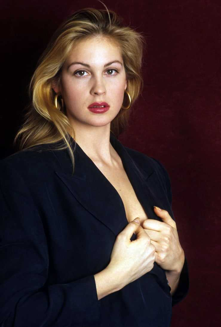 Kelly Rutherford hot photo