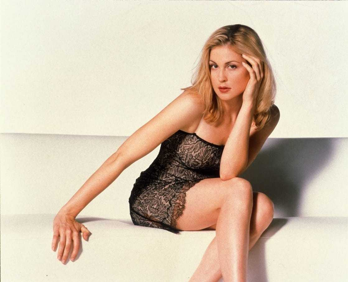 Kelly Rutherford sexy look