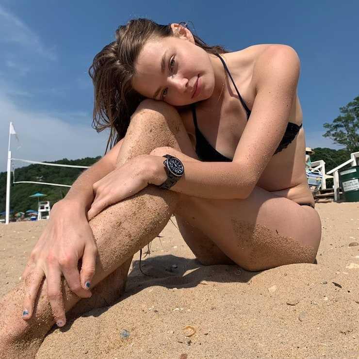 Kristine Froseth hot feet