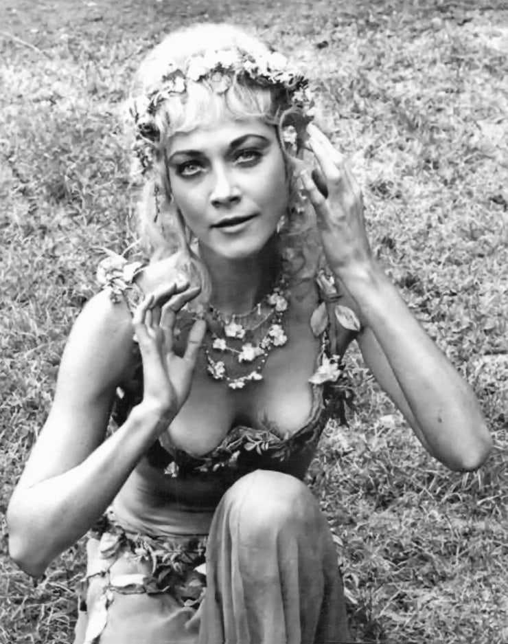 Linda Thorson hot cleavage