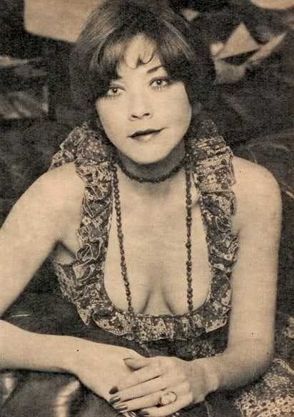 Linda Thorson sexy cleavage