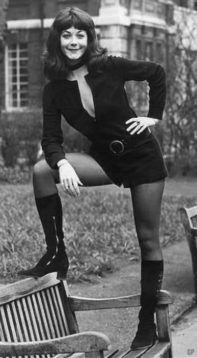 Linda Thorson sexy photos