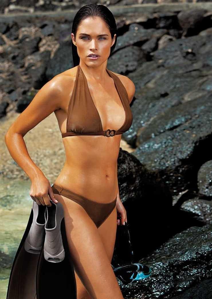 Lonneke Engel hot bikini pic