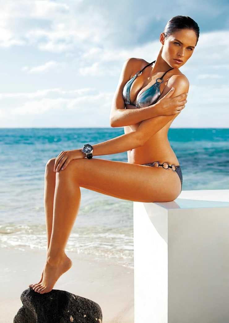 Lonneke Engel sexy look