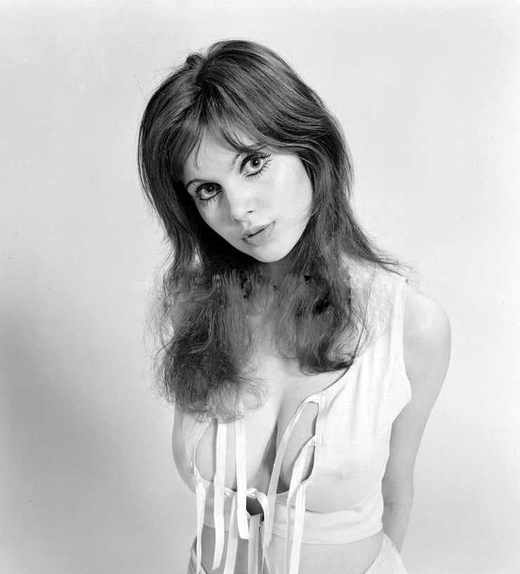 Madeline Smith cleavage pic (2)