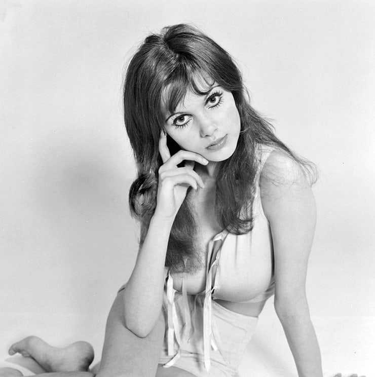 Madeline Smith sexy look pic