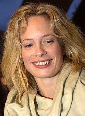 Maria Bonnevie hairs