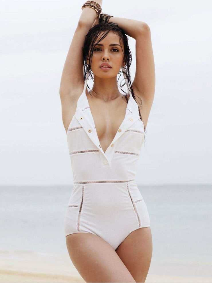 Megan Young cleavage