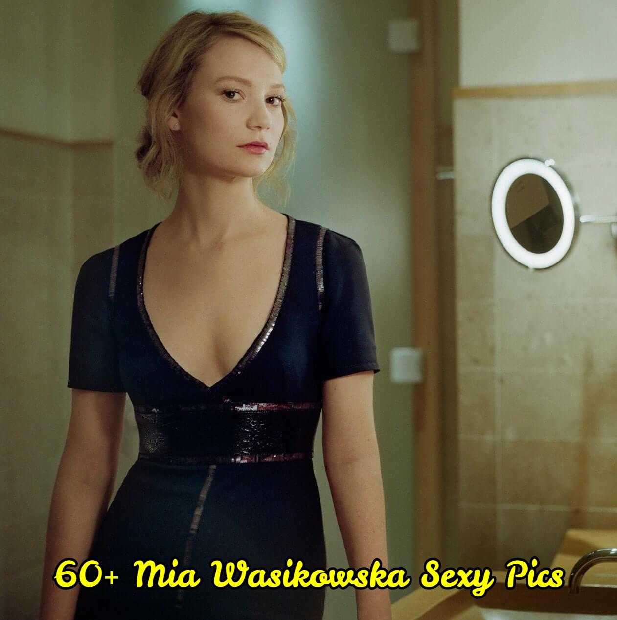 Mia-wasikowska-cleavage
