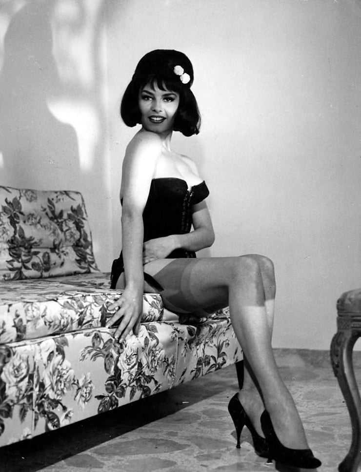 Michèle Mercier bare feet