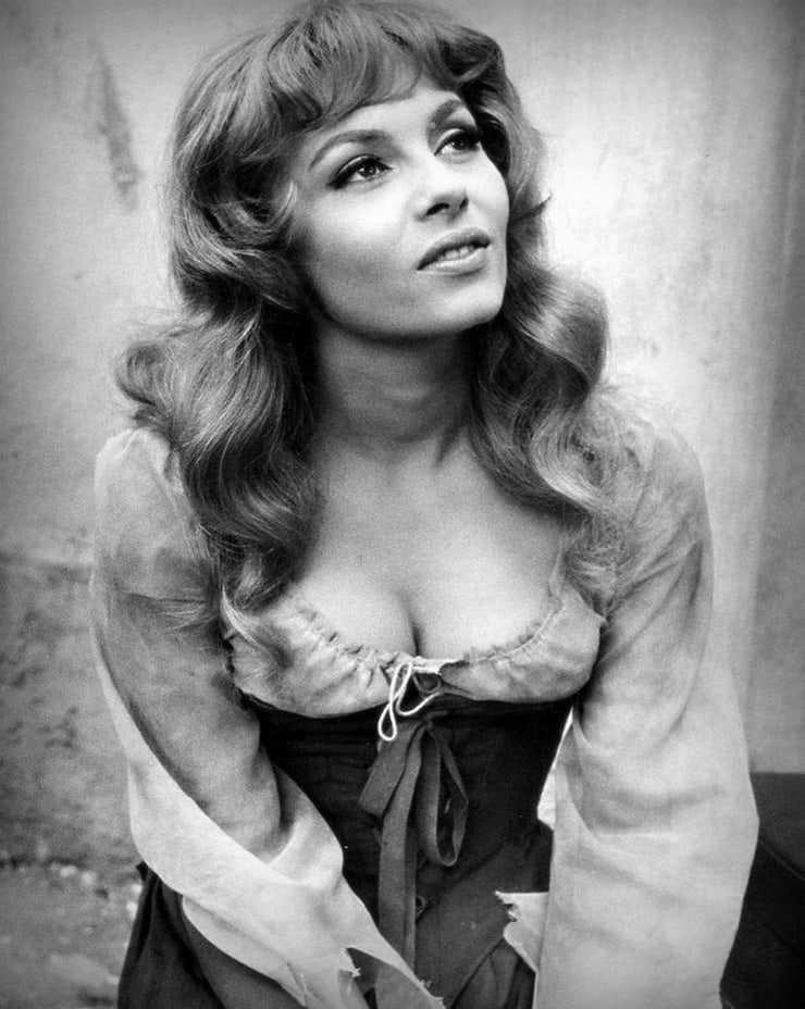 Michèle Mercier cleavage