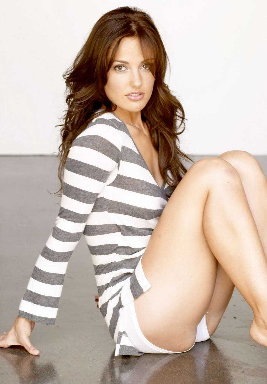 Minka Kelly butt pictures