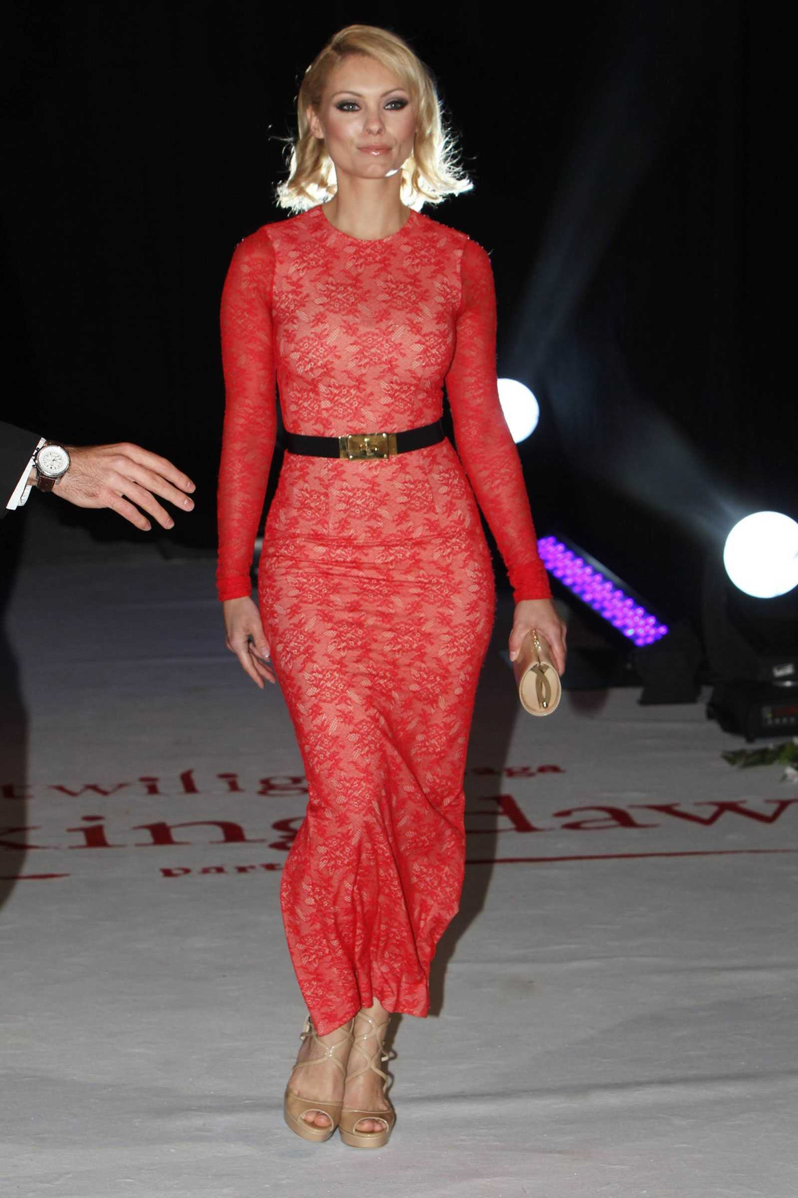 MyAnna Buring sexy red dress pic