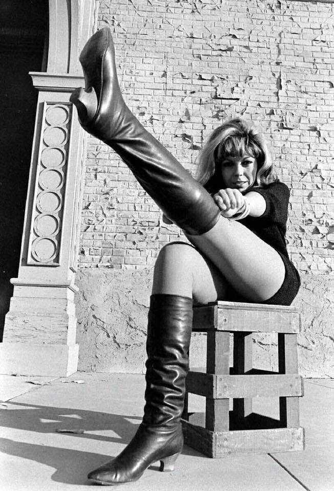 Nancy Sinatra hot legs pic