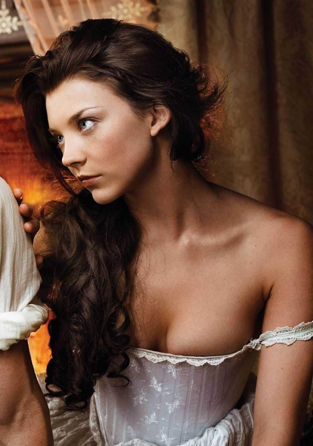 Natalie Dormer hot cleavage