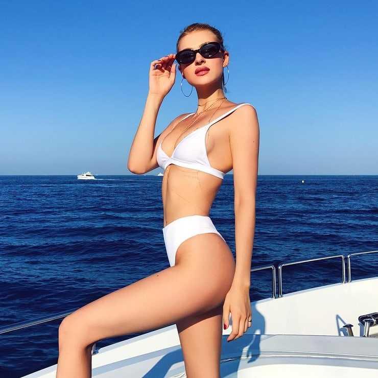 Nicola Peltz hot bikini