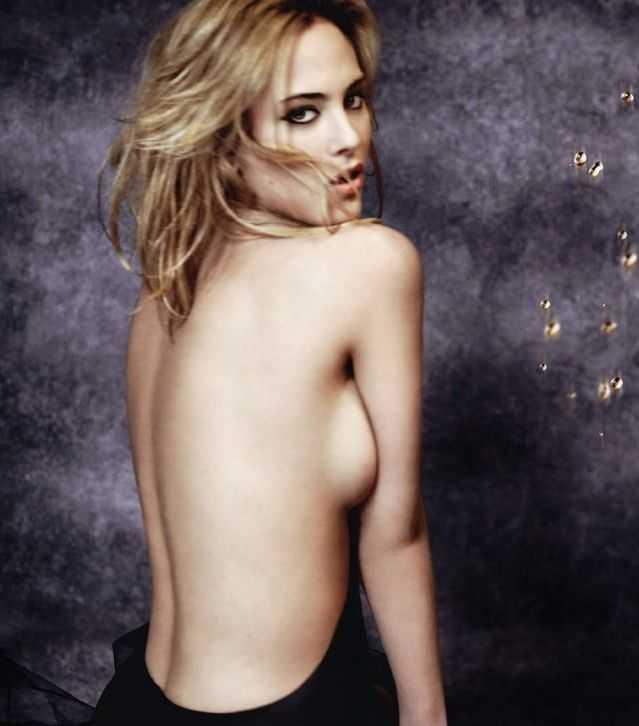Nora Arnezeder topless