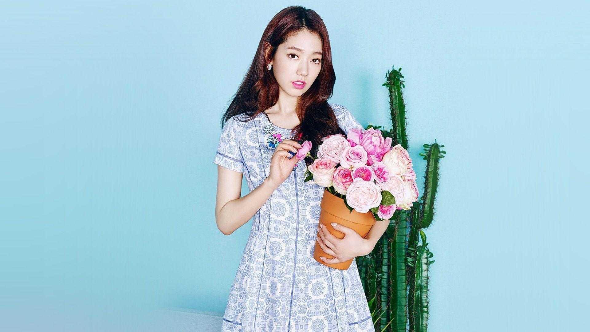 Park Shin-hye sexy photos