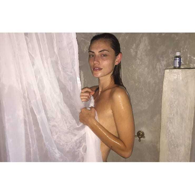 Phoebe Tonkin sexy wet look