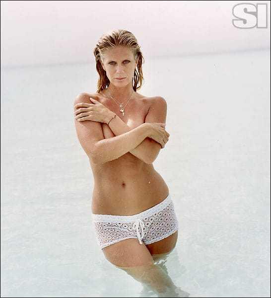 Rachel Hunter hot topless pic