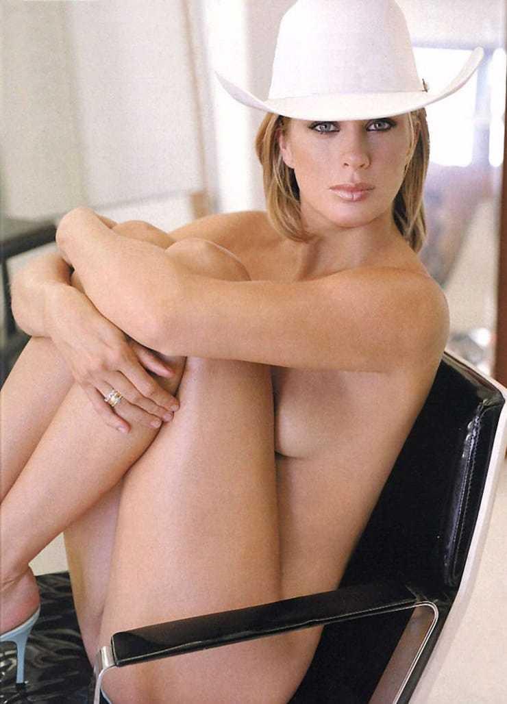 Rachel Hunter near-nude pic