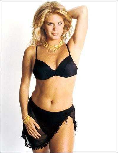 Rachel Hunter sexy bikini pic
