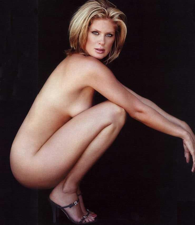 Rachel Hunter sexy side boobs pic