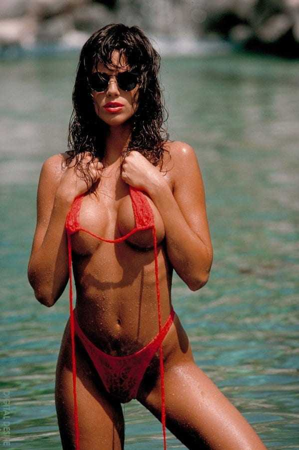 Racquel Darrian hot pictures