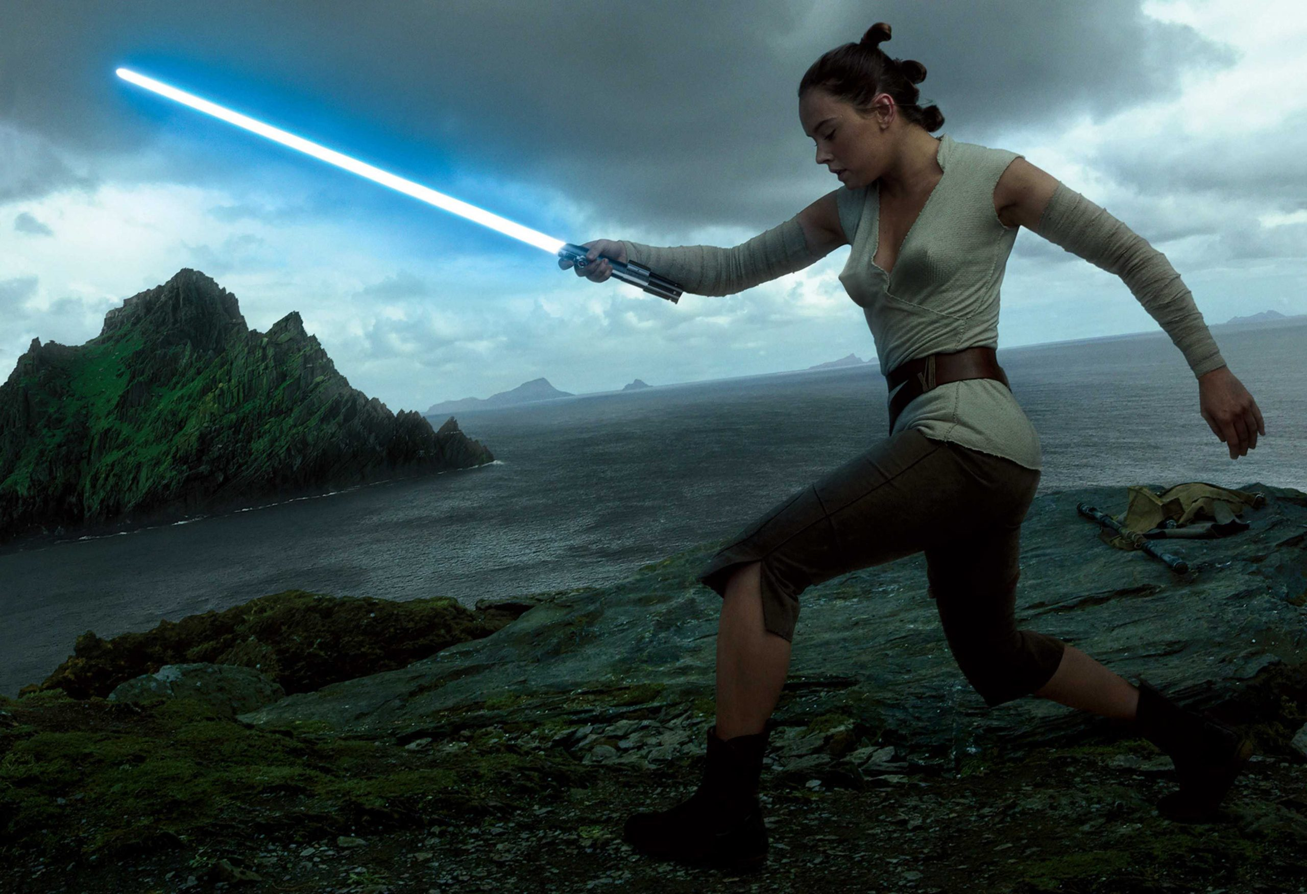 61 Rey Sexy Pictures Which Will Make You Succumb To Her