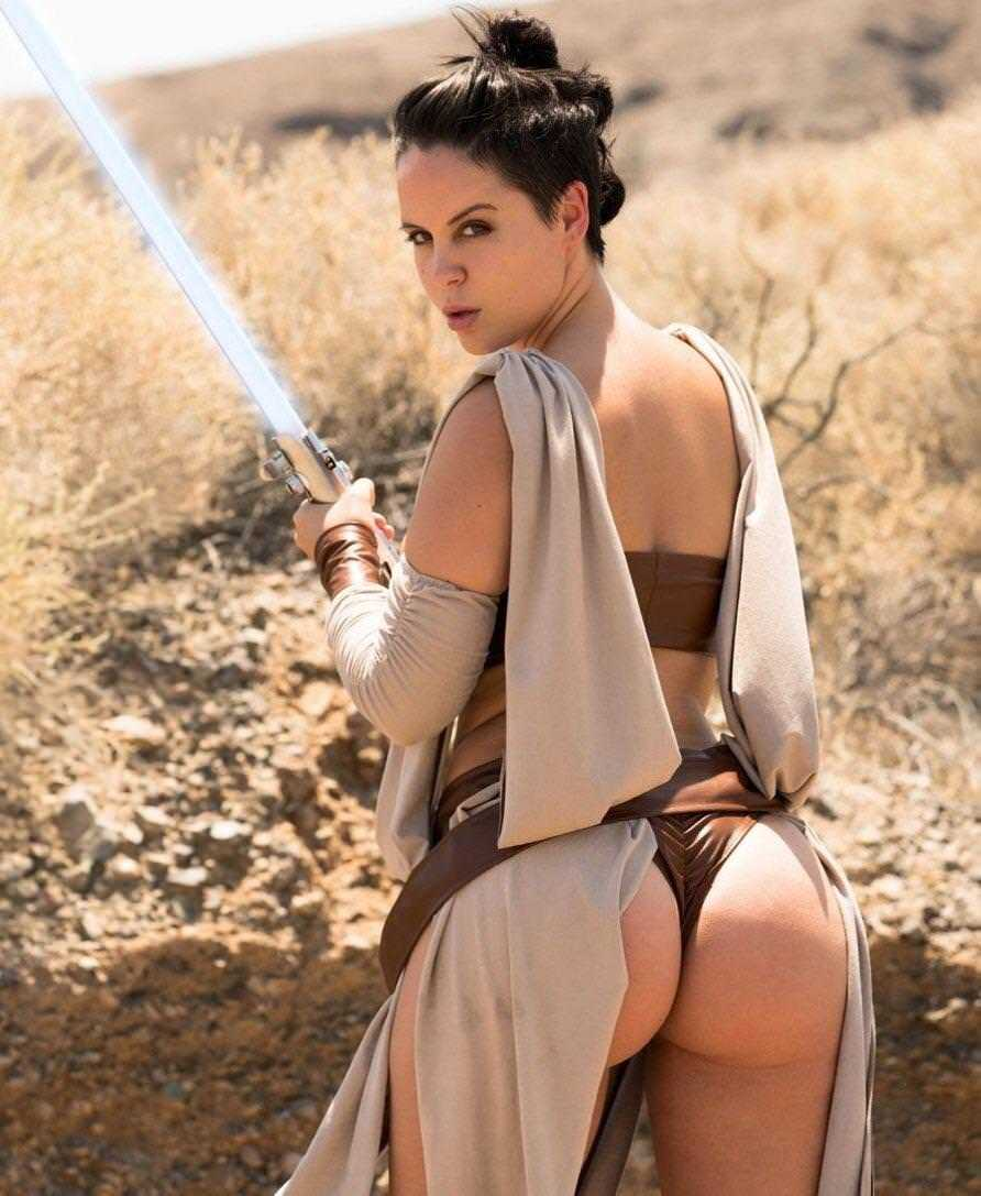 Rey sexy butt pic