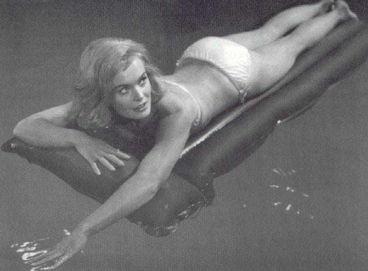 Shirley Eaton bikini
