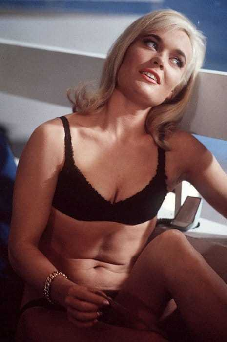 Shirley Eaton hot cleavage