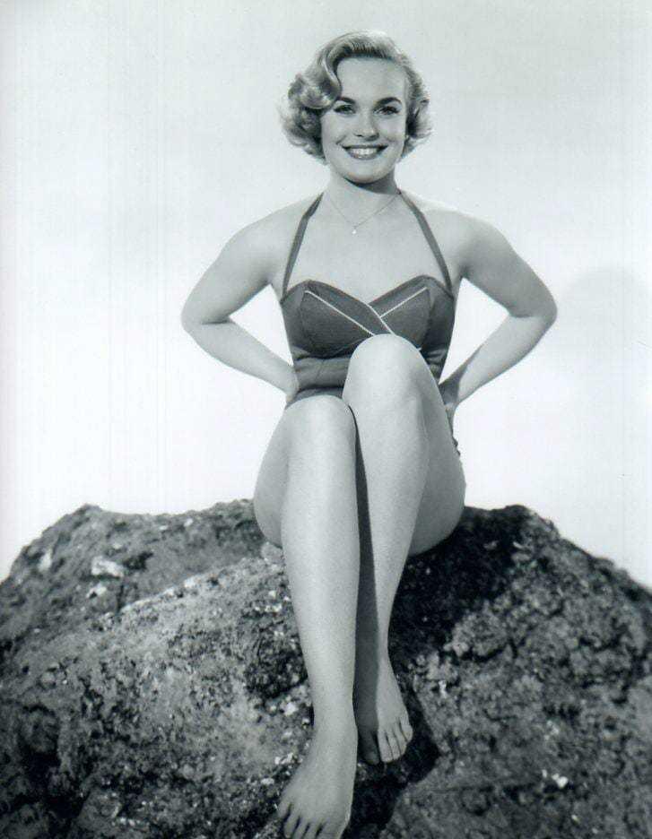 Shirley Eaton hot photos