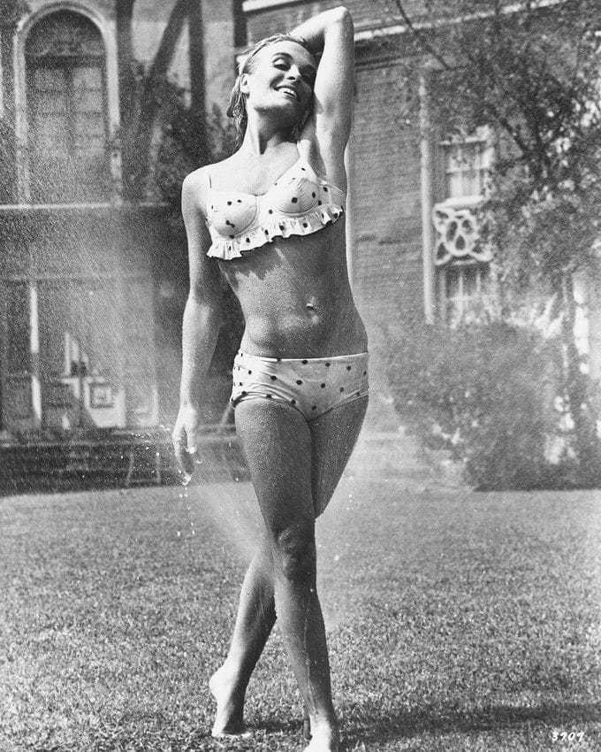 Shirley Eaton sexy photos