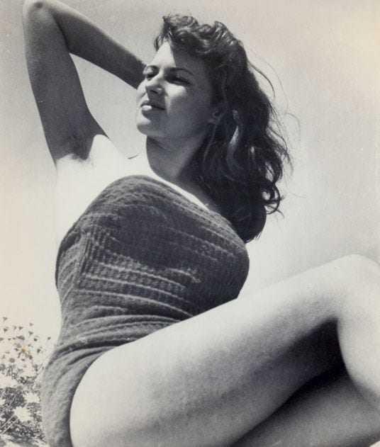 Silvana Mangano hot thighs pic