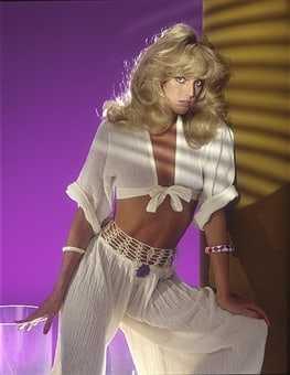 Susan Anton cleavage