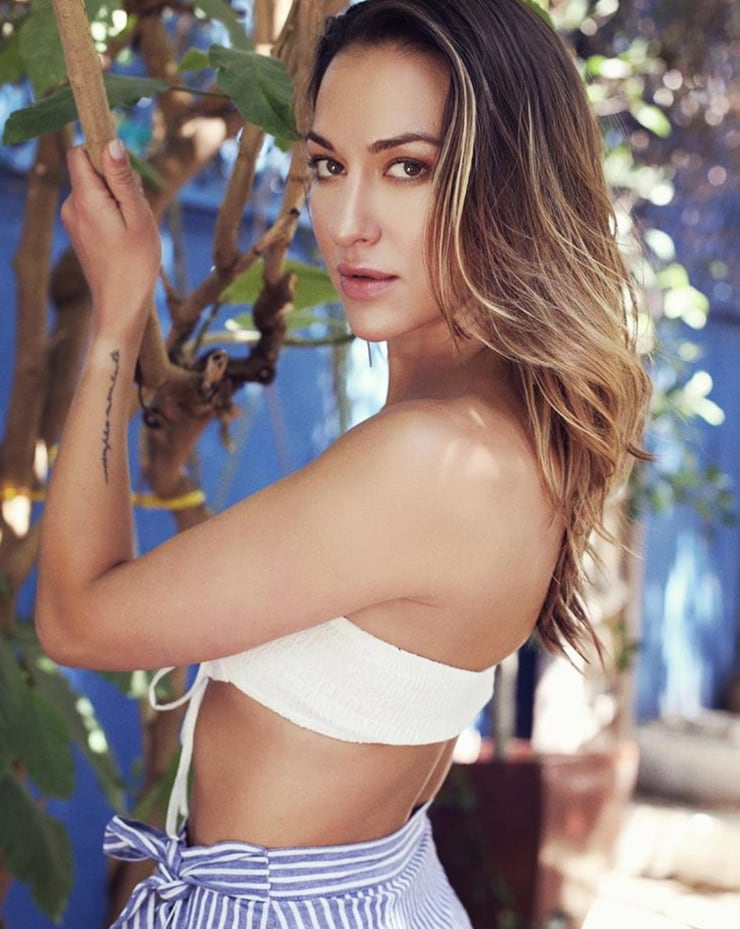 61 Tasya Teles Sexy Pictures Which Will Shake Your Reality | GEEKS ON COFFEE